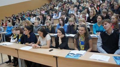 А. Хромов: вузы не должны забывать о последипломных каникулах для выпускников