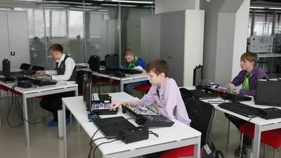 Межрегиональные центры компетенций сделают площадками для стажировки учащихся СПО