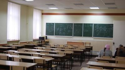 Свыше 30 учебных заведений высшей школы подверглись санкциям Рособрнадзора