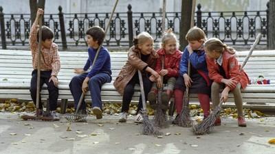 В Минобрнауки РФ намерены вернуть в систему образования уборку детьми классов и школьной территории