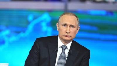 В. Путин высказался за развитие шахмат по всей стране и возрождение библиотек в качестве мультимедийных центров