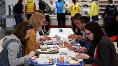 Стали известны регионы с самым дорогим питанием для студентов
