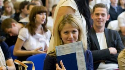 Россияне стали чаще говорить о сокращении перспектив трудоустройства выпускников вузов