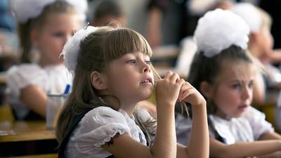 В Минобрнауки РФ пообещали обеспечить местами в школах всех детей