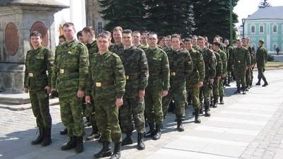 Проект закона о праве служить по контракту при наличии среднего профобразования получил поддержку в Госдуме