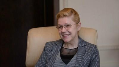 Е. Мизулина высказалась против навязывания в школах борьбы с коррупцией и обязательного введения должности психолога