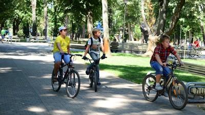 Столичных школьников будут учить безопасно передвигаться на велосипеде по городу
