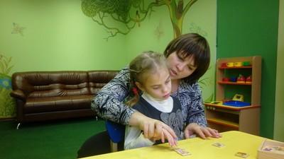 В Минобрнауки РФ обеспокоены недостатком дефектологов в школах