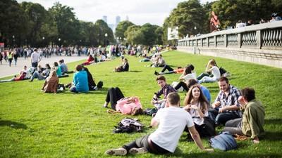 ВЦИОМ выяснил основные жизненные ценности современных молодых людей