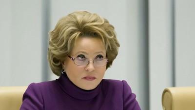 В. Матвиенко выступила против электронных учебников и заимствований в русском языке