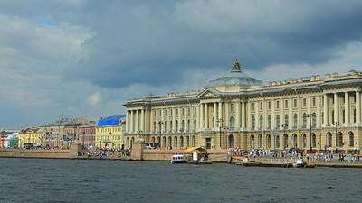 В вузах Санкт-Петербурга самый высокий в России проходной балл ЕГЭ