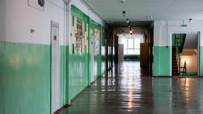 В Москве эвакуировали 16 школ из-за угрозы взрывов