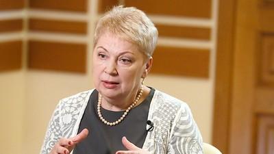 Глава Минобрнауки РФ призвала к прозрачности при распределении денежных поощрений среди учителей