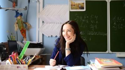 Зарплату учителей могут повысить в полтора раза