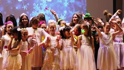 Школьники Новой Москвы делают новогодние добрые дела